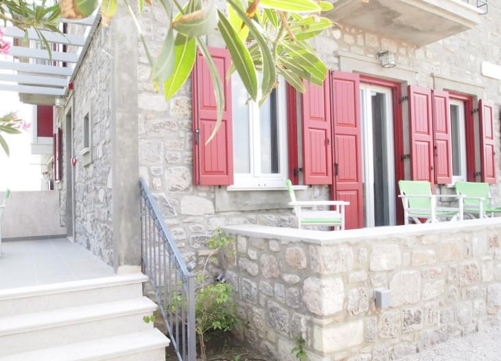 Two verandas for your enjoyment